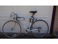 Old Road Bike in very good shape (still 3 month guarantee on mechanical issues)