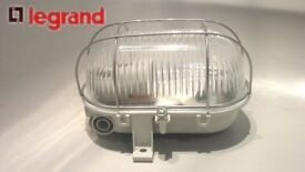 Legrand 60415 bulkhead light - IP44 - IK06 - oval 60 w - E27 - metal grid screw fixing -grey