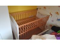 Baby bed/cot with full set for quick sell !!