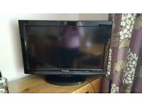 "Panasonic Viera 26"" TV with built in freeview"