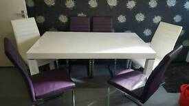 Lovely white high gloss table with 6 real leather chairs