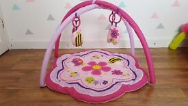Play gym in Pink great condition play mat