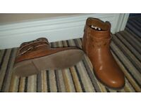 Girls boots size 3