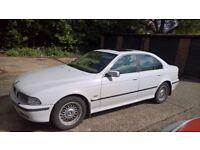 BMW 528i Auto White 6 Months MOT