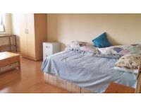 Renting out a bedroom at 39 Braid Square G49YQ Great Location Fully Furnished Directly from Landlord