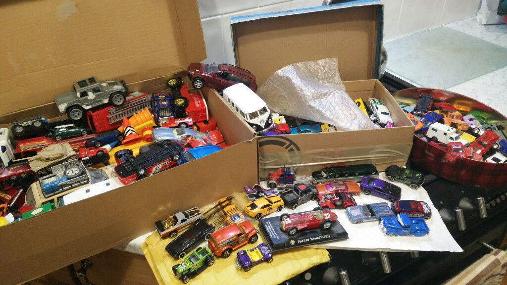 HUGE SELECTION TOY CARS