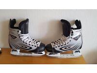Ice Skates CCM (size5)