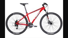 Trek mountain bike aluminium frame, 29in wheels comes complete with mud guards and lights