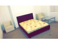 To let share rent double room Bolton town centre. Professional or students