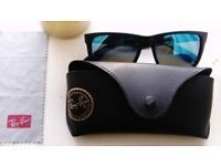 Ray-Ban Wayfarer Sunglasses (0RB4165)
