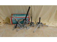3 jaw puller set containg 4 different pullers