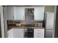 High Gloss Kitchen + Whirlpool Cooker - Hob - Extractor - Indesit Washing Machine & Fridge Freezer