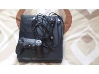 PS4 Playstation 4 500GB all wires and Pad