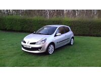 1.4 Renault Clio 2door 2 owners immaculate looking car air conditioning alloy wheels new tyres