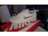 Nike air thea size 5
