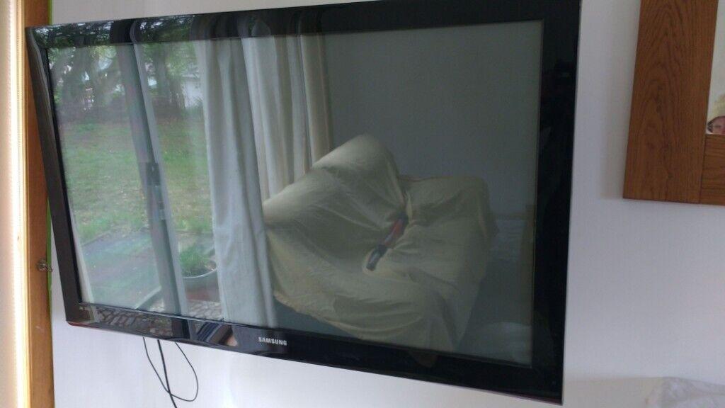 Samsung PS50B430P2W 50 Inch HD Plasma TV, Wall Mounting Bracket and Humax  Freesat Digibox | in Strathpeffer, Highland | Gumtree