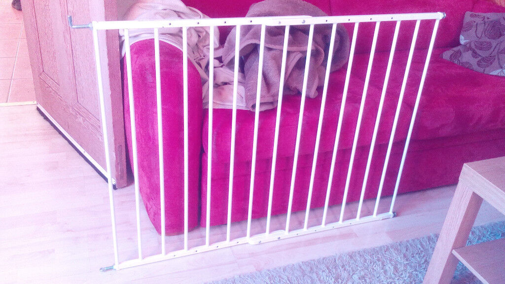 2 Babyden adjustable safety gates 61-109 cm