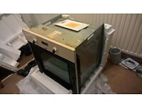 Oven Build in - Zanussi ZBF360W, FREE, used - working, the front glass missing