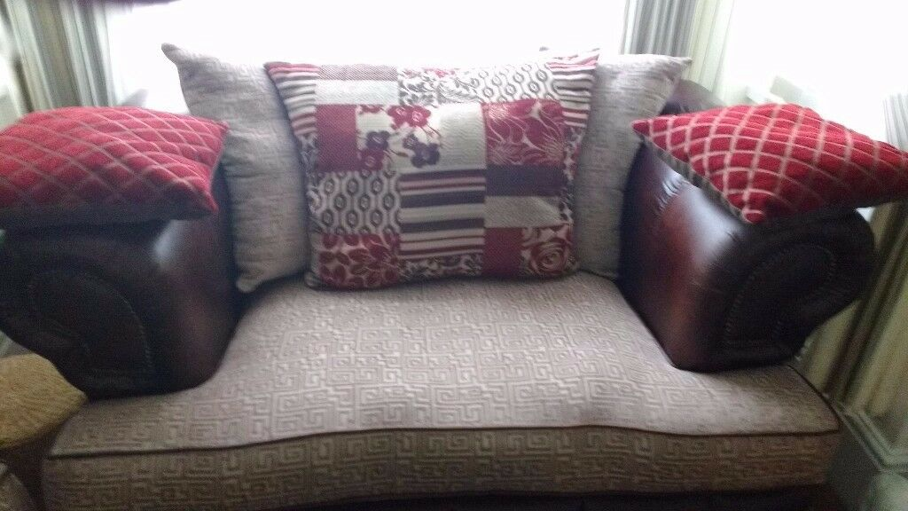 3 and 2 seater settee very good condition £200 0 ready to go CANNOT DELIVER