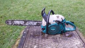 Makita 7901 79cc large petrol chainsaw selling for £800 see photo 2