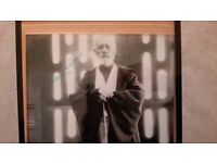STAR WARS GENUINE SIGNED PHOTOGRAPH OF SIR ALEC GUINNESS