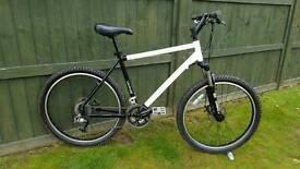 """Ex-police Smith &Wesson mountain bike 26""""wheels disc brakes"""