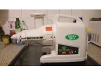 GREEN STAR GOLD JUICE EXTRACTOR - 10 yrs warranty included(like new)