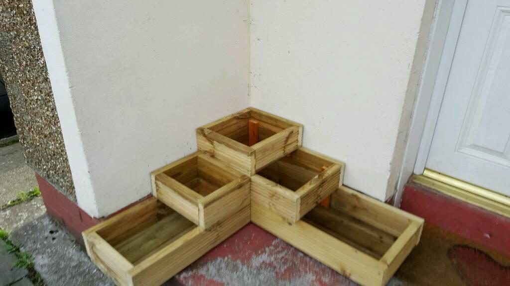 3 tier decking planter