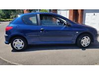 206Peugeot 12months mot cheap on fuel and taxt nice inside and out