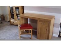 Brand new oak desk and chair