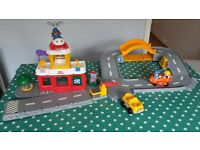 Fisher Price Little People Airport playset