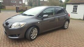 Toyota Auris 1.6 VVT-I SR 5DR, Low miles - Superb condition!