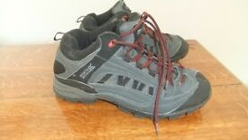 Regatta Great Outdoors Glenfell Mid quality walking/hiking shoes, size 10, almost new