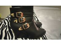Ladies wedge boots, size 5
