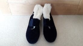 Brand new Marks & Spencer Ladies blue boot slippers (with fur inner) Size 7 (Euro 40.5)