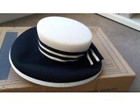 Ladies Alexon black and white hat