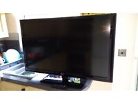 LG 42 inch lcd HD TV freeview hdmi usb remote centrol