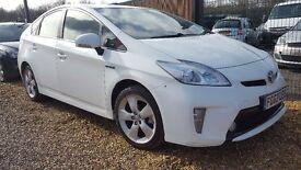 Toyota Prius 1.8 Hybrid UK Model White