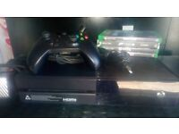 Xbox one bundle (1540) excellent condition complete with wireless controller and charging lead.