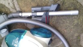 hoover freespace 1900W cyclonic small vacuum cleaner, hardly used , all attachments