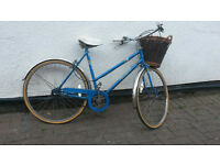LADIES 3 SPEED TOWN BIKE WITH BASKET £70