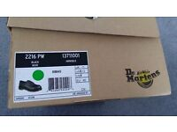 BNIB Dr Martens icon 2216 safety shoes, size 11