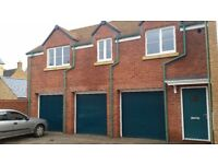 Modern coach house in Wichelstowe with garden, 2 off street parking spaces £775PCM local landlord