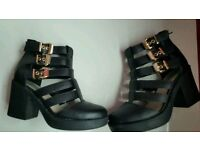 Womens Cut Out Boot Heels Size 5