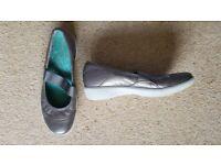 Clarks Wavewalk Mary Jane Shoes in Gunmetal Metallic Size 4.5 (Worn twice)
