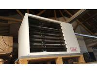 Combat CTUCA32G gas fired suspend heater + Combat NRG Controller
