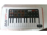 Akai MPK Mini MK1 (GREAT CONDITION)