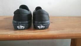 Boys Junior size UK2 Vans slip on daps