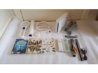 WHITE NINTENDO WII CONSOLE, 3 GAMES - DISNEY PRINCESS & FROG, WII PLAY, DISNEY SING IT & ALL LEADS