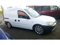 COMBO 1.3 TURBO DIESEL ECONOMIC 5 SEATER SPORT SUSPENSION MOT AND WARRANTY